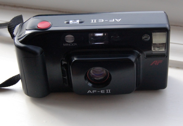 Minolta AF-EII 35mm AF fixed focal length camera