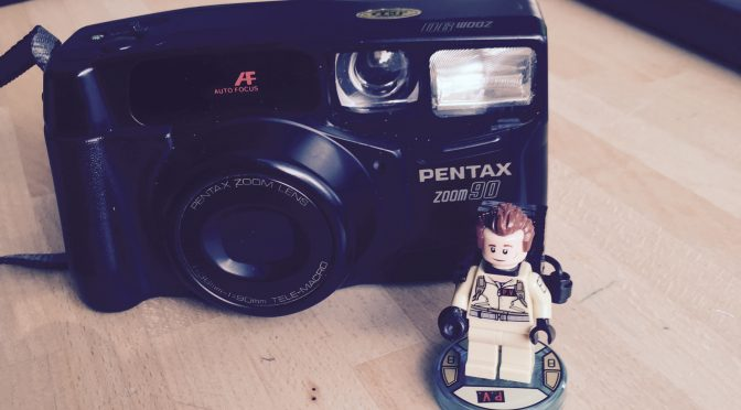 Zooming into the 90's ?- Pentax Zoom 90 Review