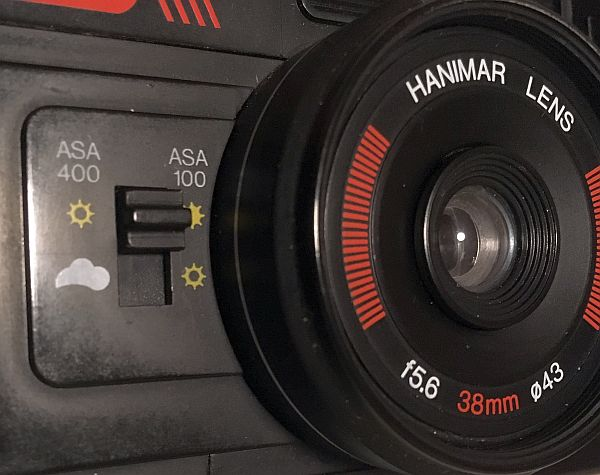 Close up of Hanimex 35SE