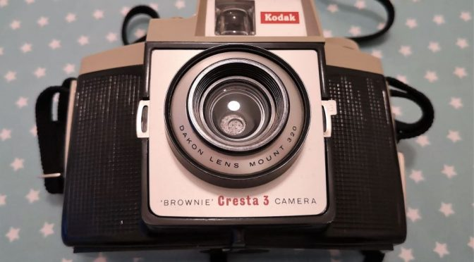 A Very British Mistake – The Kodak Brownie Cresta 3 Review