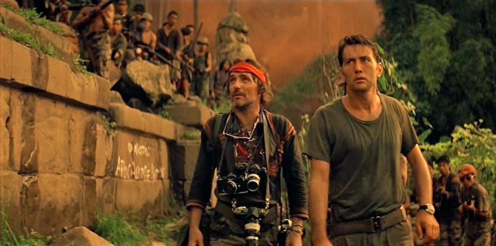 Dennis Hopper and Martin Sheen _ Apocalypse now.