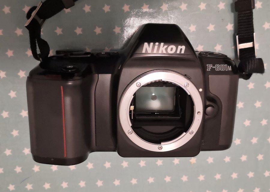 Nikon F-601M
