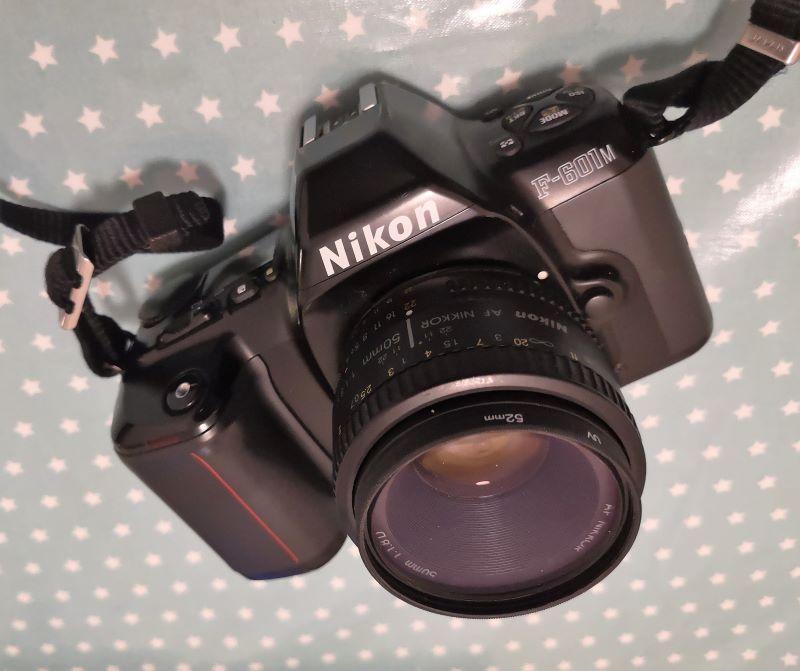 Nikon F-601M (N6000)