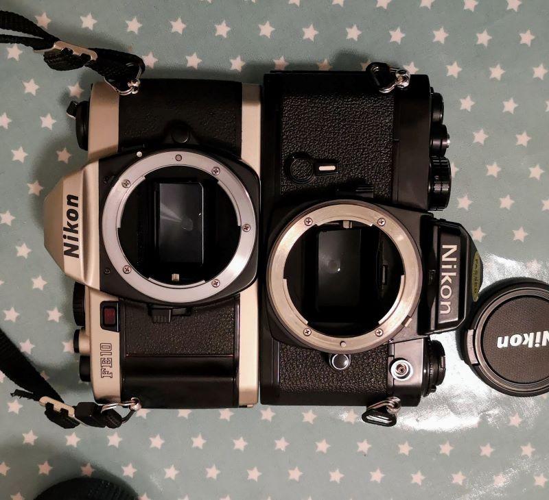 Nikon FE10 (l) and Nikon FE (r)
