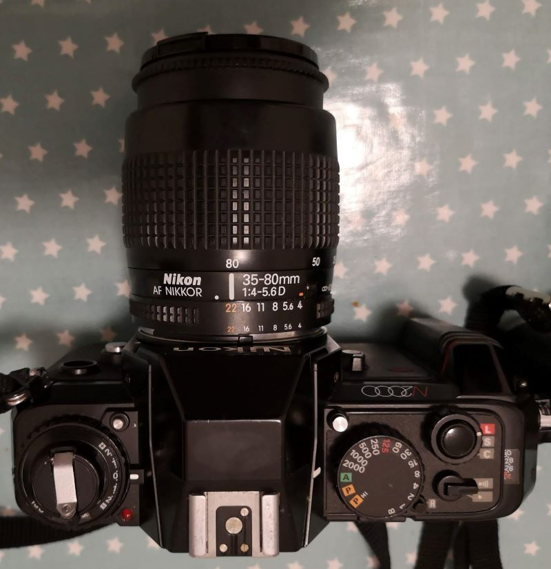 Nikon AF Nikkor 35-80mm 1:4-5.6D lens on N2000