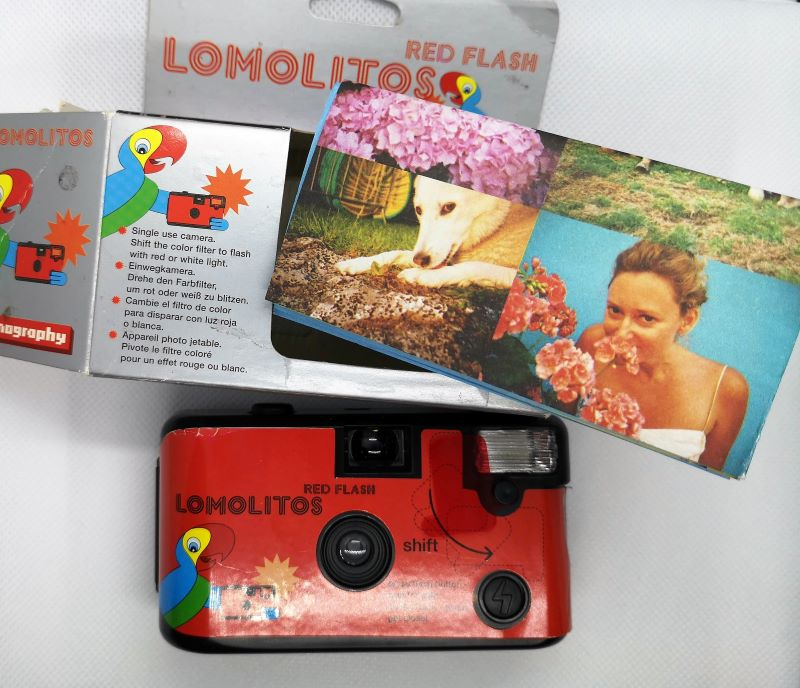 Lomolitos with Box and poster