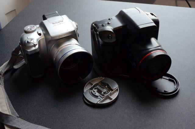 Fujifilm Finepix  S3000 beside no name 16MP camera