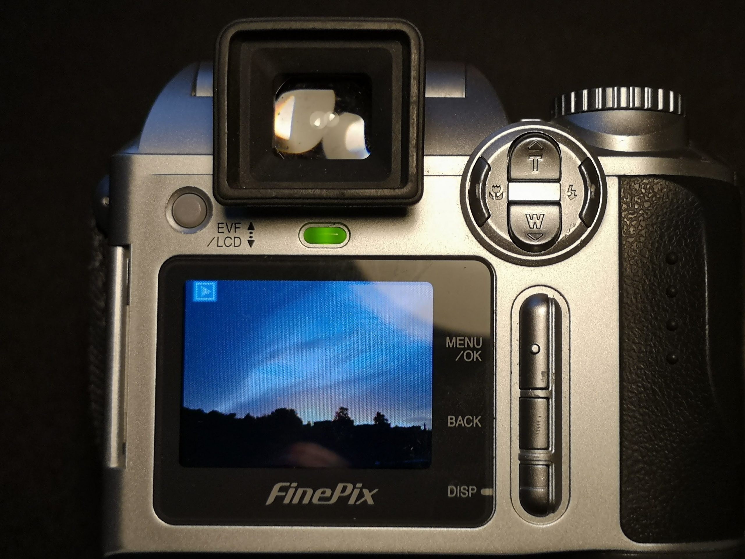 Finepix S3000 rear with LCD on