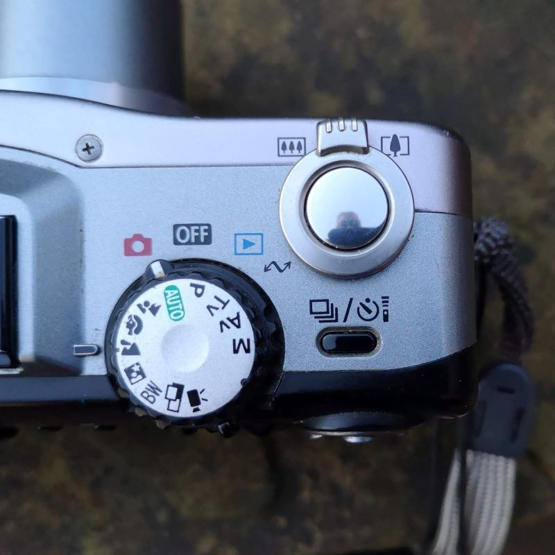 Mode dial on the G1