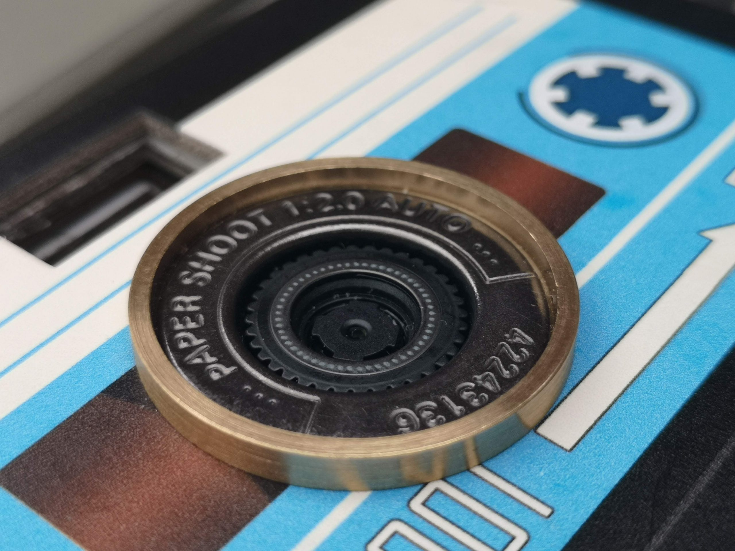 Paper Shoot lens detail
