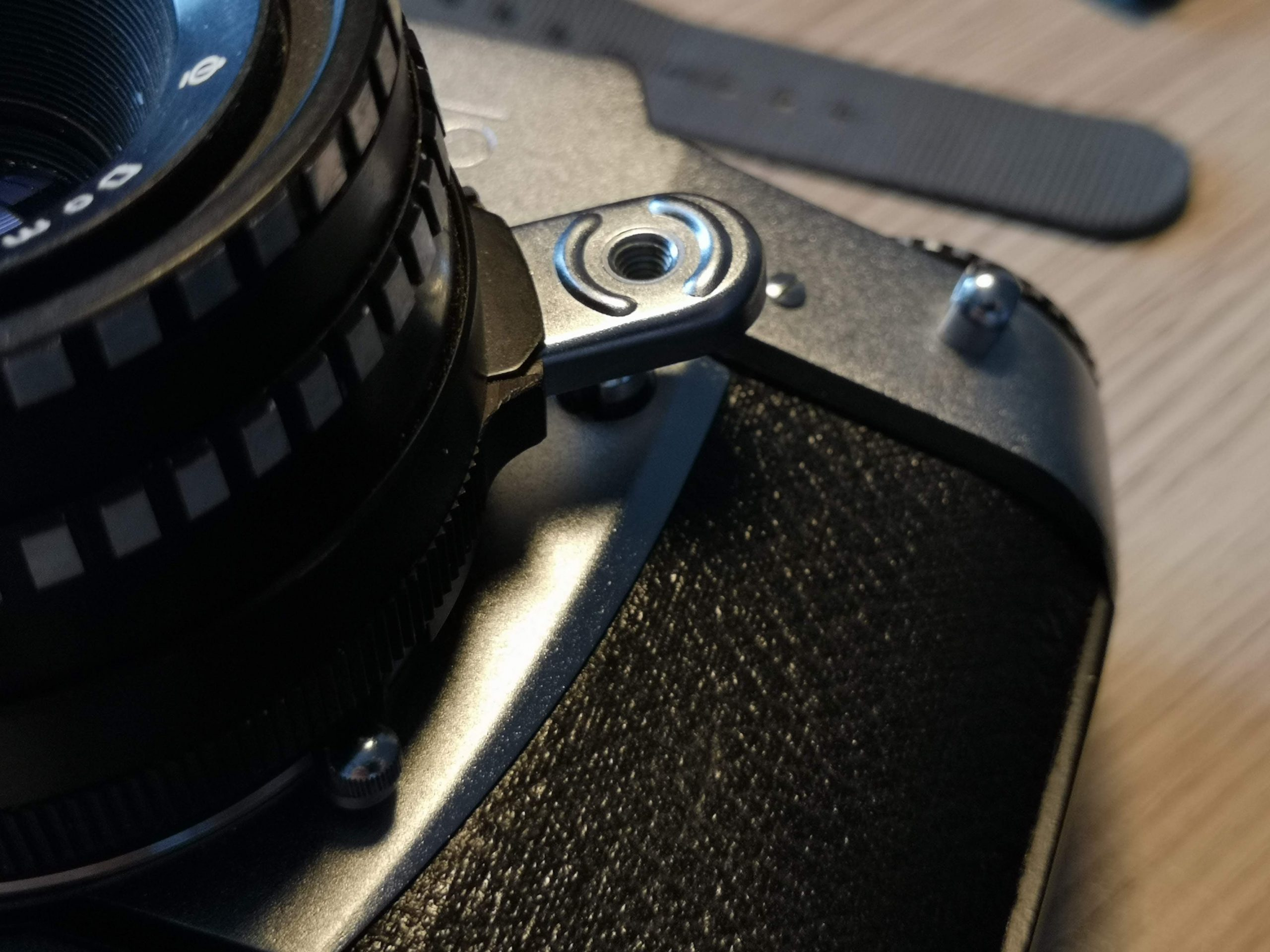 Stop down lever on an automatic Exakta lens